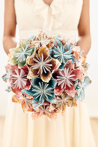 Origami-flower-bridal-bouquet