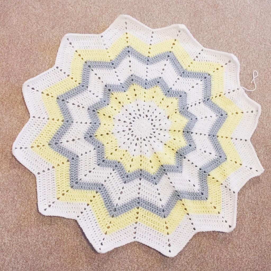 Crochet baby star blanket
