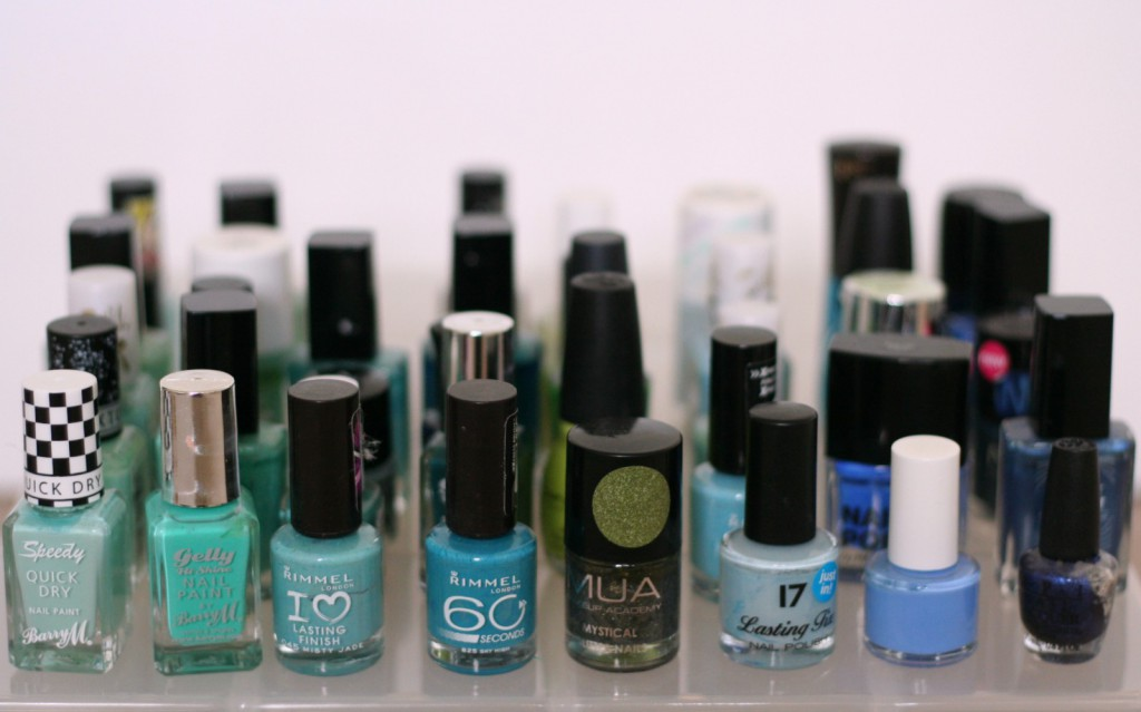 green and blue nail varnishes