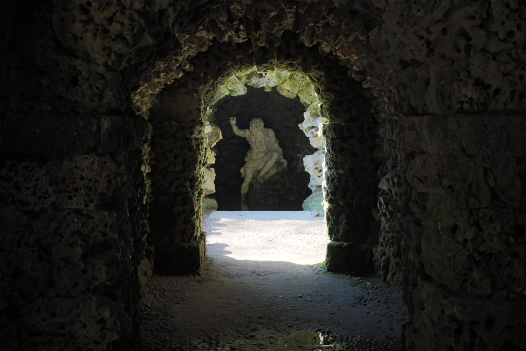 stourhead grotto