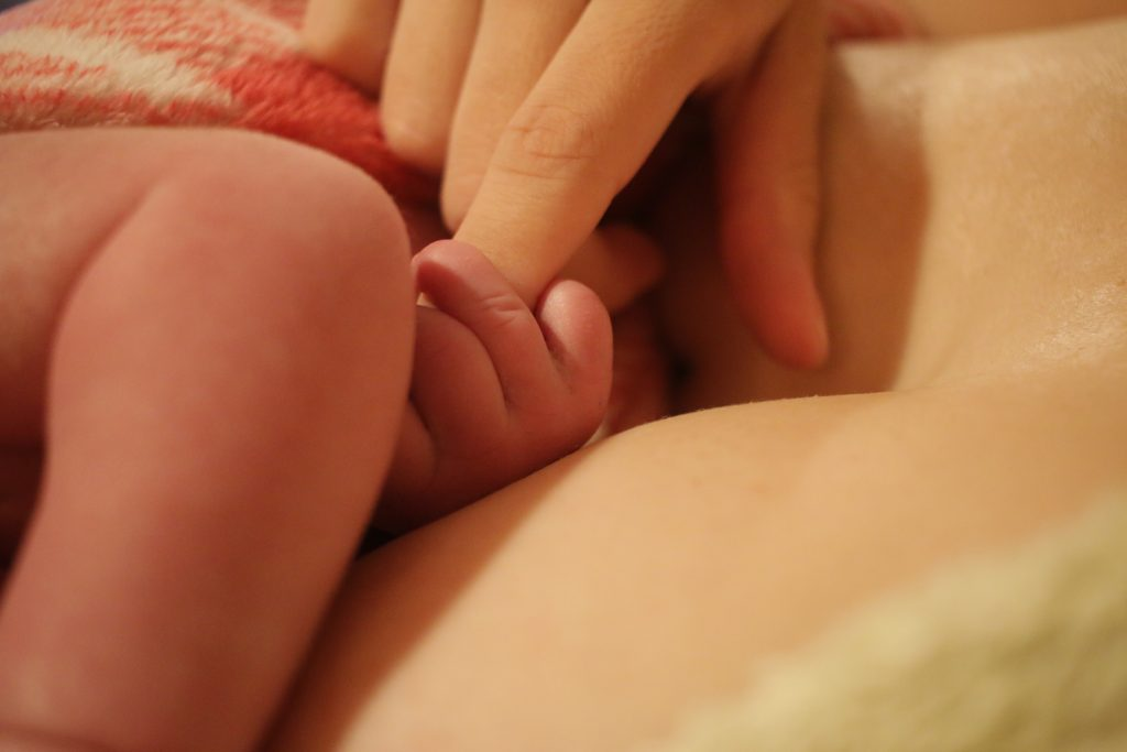 baby fingers - home birth story